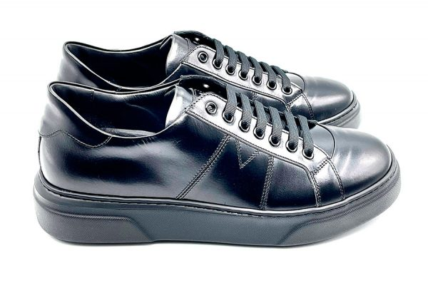 sneakers in vitello nero